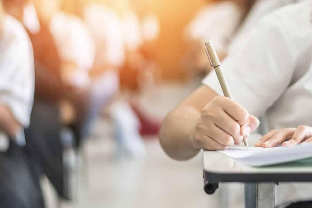 Veja os documentos que são aceitos para se inscrever no Encceja 2020